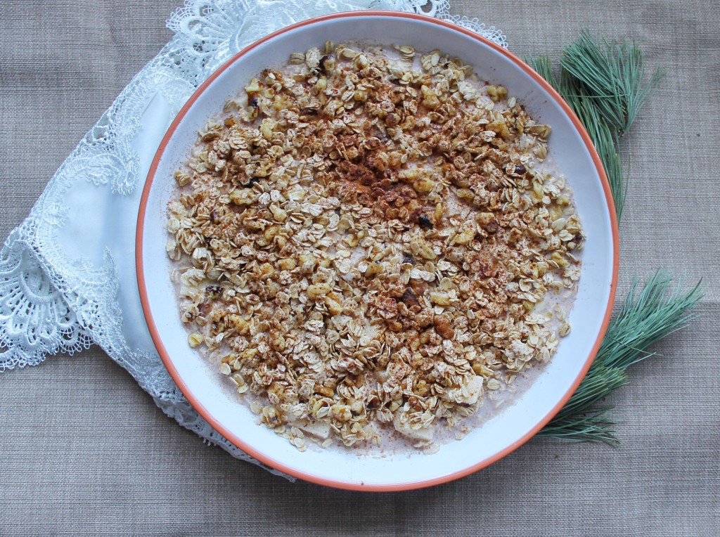 Baked Apple Crumble Oatmeal